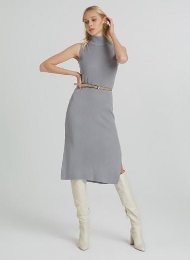 People By Fabrika Yırtmaçlı Kolsuz Triko Elbise Gri